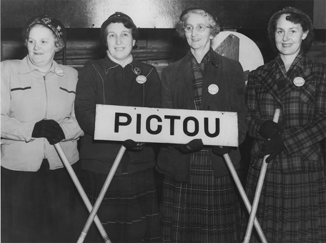 Pictou-Ladies-Curling-Team.1954-in-Dartmouth